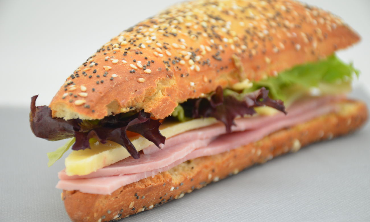 Sandwich jambon et tapenade d olive verte